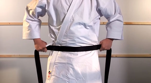 how_to_tie_karate_belt_step_2