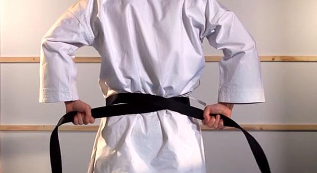 how_to_tie_karate_belt_step_3