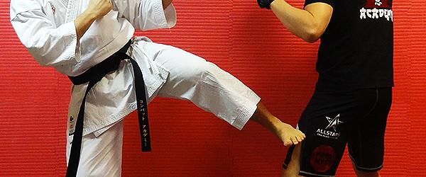 karate-mma-enkamp-kansetsu-geri